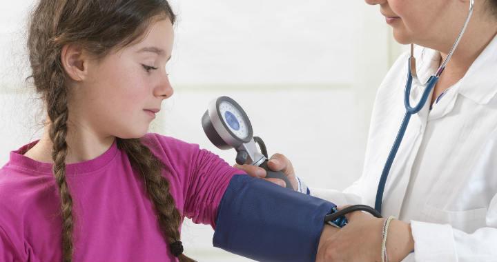 pontok a kezeken magas vérnyomásban magas vérnyomás, alacsony pulzus