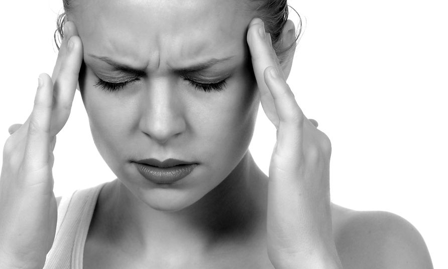 Throbbing fájdalom a templomokban: okok, kezelés