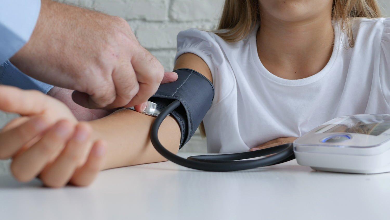 szülés terhességi cukorbetegséggel és terhességi magas vérnyomással a betegség hipertóniás szövődményei