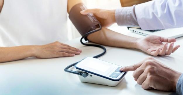magas vérnyomás kezelés idős embereknél hogyan kell kezelni az idősebb emberek magas vérnyomását
