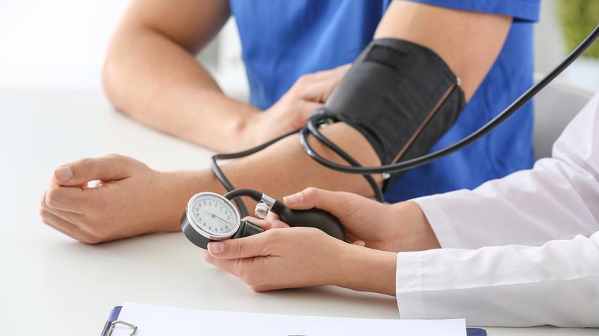 magas terhelés esetén a terhelés kompenzált magas vérnyomás