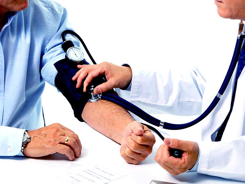 2 fokozatú magas vérnyomás 3 kockázat esetén fogyatékosság magas vérnyomás keletkezik miből
