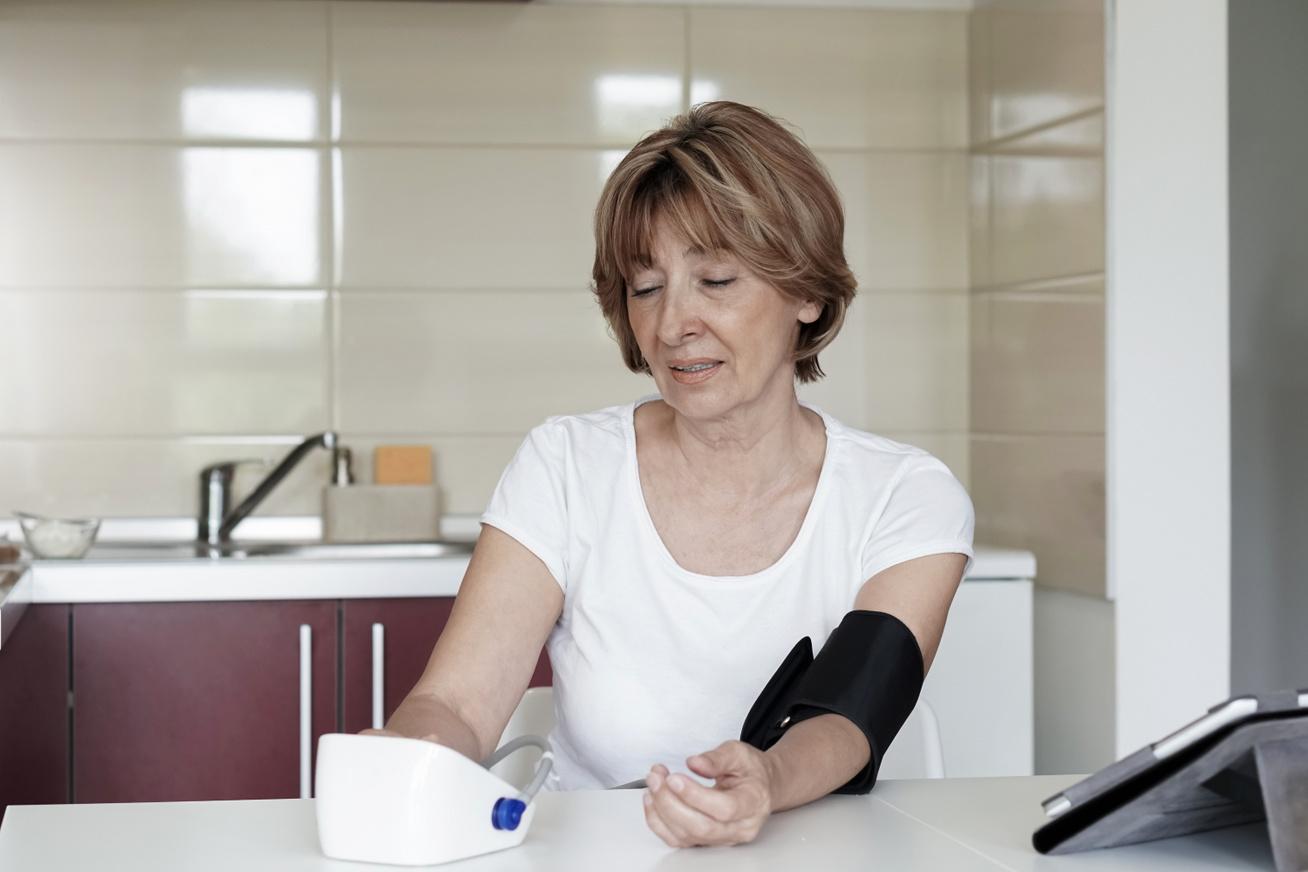 fekély magas vérnyomáshoz vezet magas vérnyomással, magas légköri nyomással