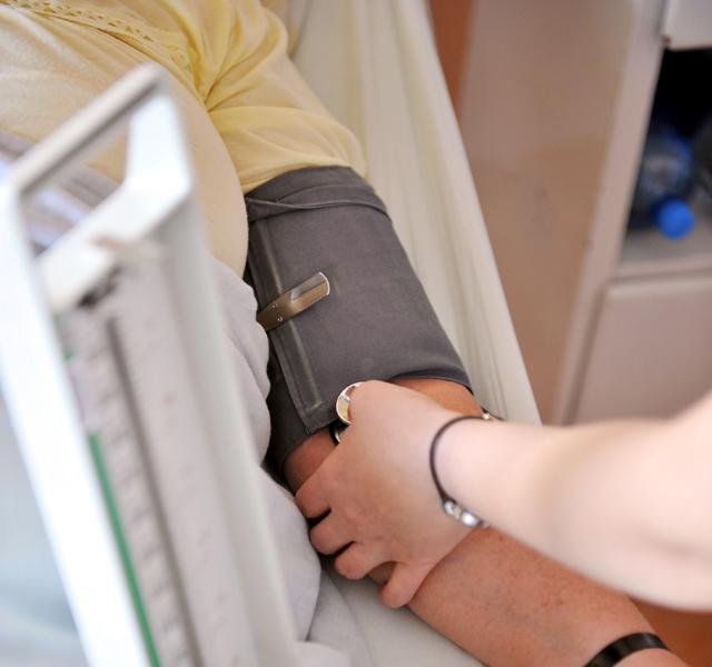 2 fokos magas vérnyomás és egy medence a hipertónia okainak és kezelésének új pillantása